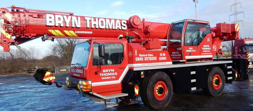 New 40t Liebherr Crane added to Bryn Thomas Cranes Fleet